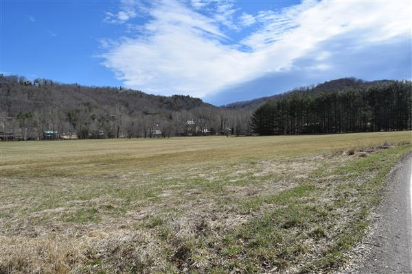 Tract of land in Valle Crucis
